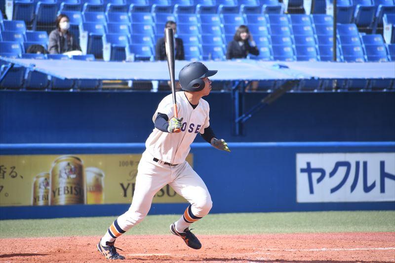 片瀬は1安打1盗塁と下位打線から得点の流れを演出 R